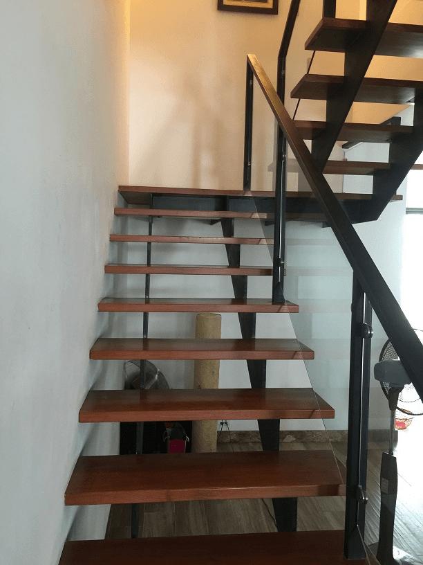 Cầu thang xương cá
