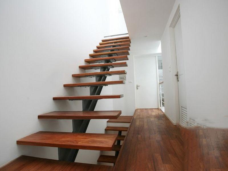 Cầu thang xương cá bậc gỗ