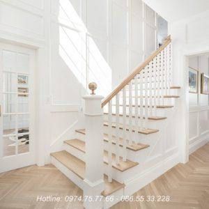 Cầu thag gỗ con tiện vuông nội thất vương gia