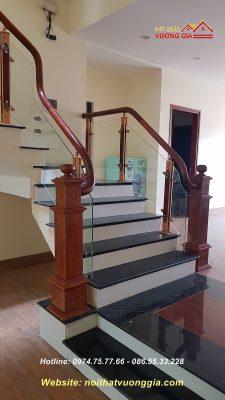 cầu thang kính cường lực tại ba vì hà nội