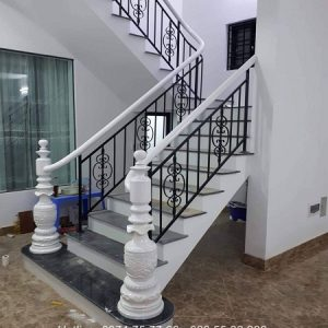 Cầu thang sắt song nghệ thuật nội thất vương gia