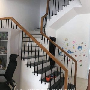 Cầu thang sắt song song nội thất vương gia