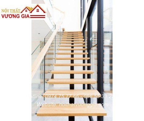 Cầu thang xương cá lan can kính nội thất vương gia
