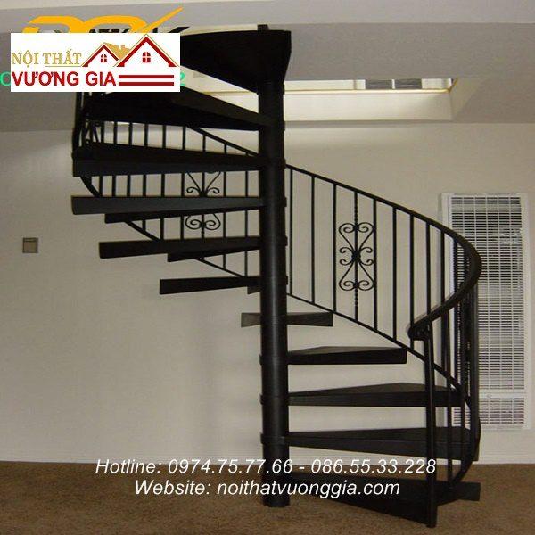 Cầu thang sắt xoắn ốc nội thất vương gia