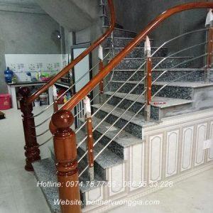 cầu thang inox tay vịn gỗ tại hà đông hà nội nội thất vương gia