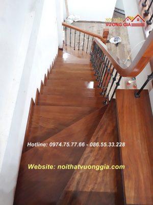 Mặt bậc cầu thang gỗ nội thất vương gia