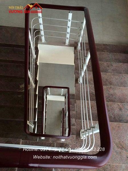 cầu thang inox xoắn ốc