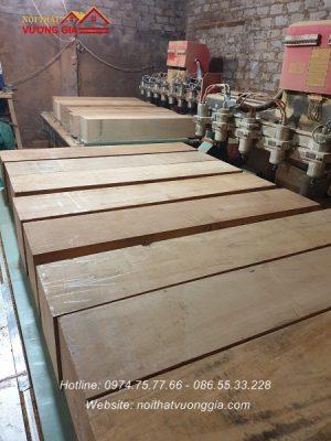báo giá trụ cầu thang gỗ Lim tạ Hà Nội
