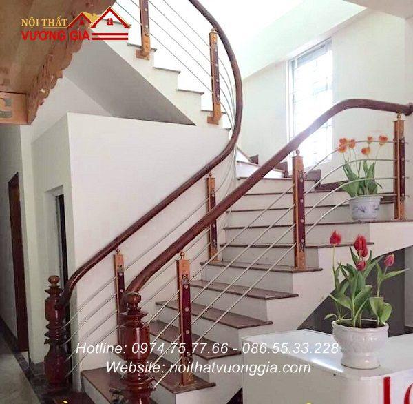cầu thang inox tay vịn gỗ tại hưng yên