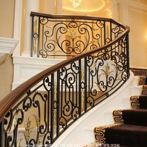 Cầu thang sắt nghệ thuật nội thất vương gia