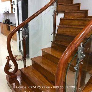 Mặt bậc cầu thang gỗ lim nội thất vương gia