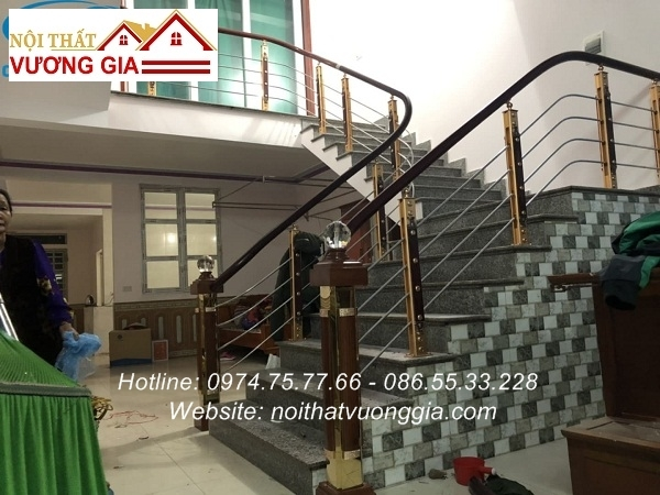 Cầu thang inox tay vịn nhựa đẹp - Nội Thất Vương Gia