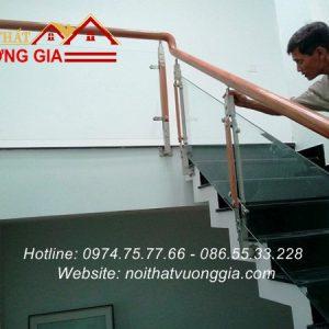 Thi công cầu thang kính cường lực tại Sơn Tây Hà Nội