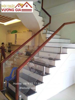Cầu thang kính cường lực tại Hà Đông Hà Nội