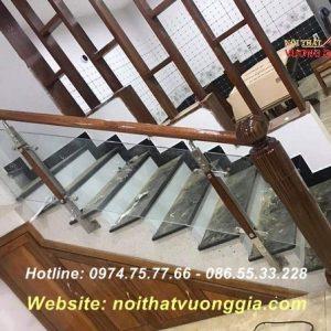 Cầu thang kính cường lực tại Mỹ Đức Hà Nội