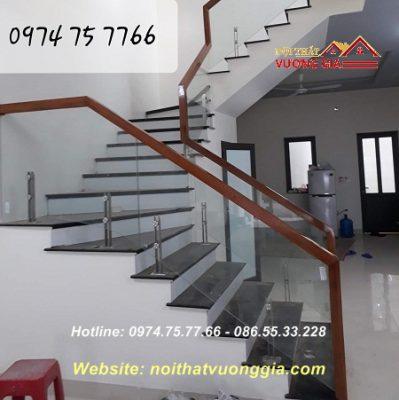 Cầu thang kính cường lực tại Phú Xuyên Hà Nội