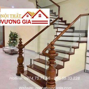 Cầu thang kính cường lực tại Phú Thọ