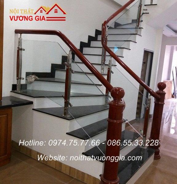 Cầu thang kính cường lực tại Việt Trì Phú Thọ