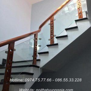 Cầu thang kính cường lực tại Thanh Thủy Phú Thọ
