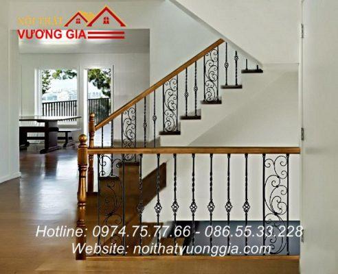 Cầu thang sắt đơn giản đẹp tại Phú Thọ