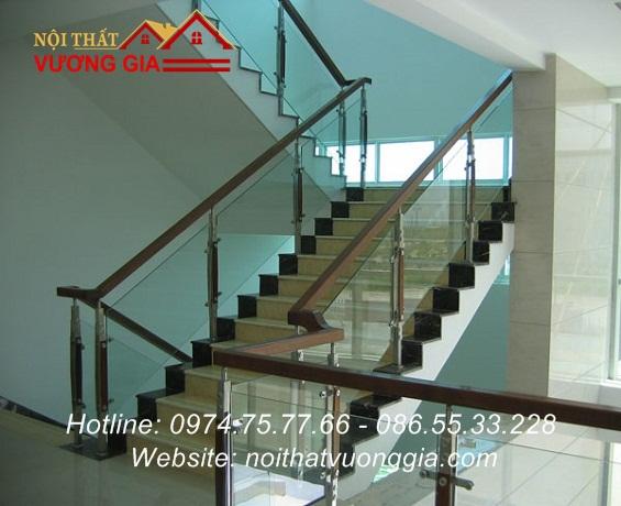 Cầu thang kính cường lực tại Gia Bình Bắc Ninh