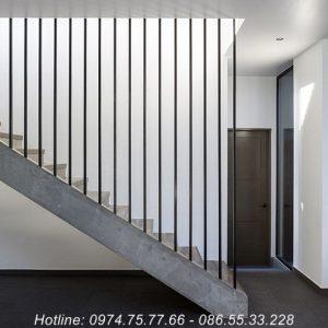 Cầu thang sắt đơn giản đẹp tại Gia Lâm
