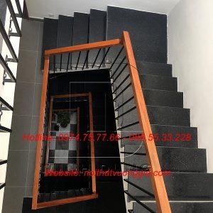 Thi công cầu thang sắt tay vịn gỗ tại Vĩnh Yên Vĩnh Phúc