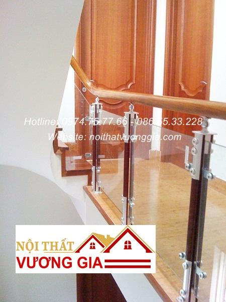 Cầu thang kính cường lực tại Quế Võ Bắc Ninh