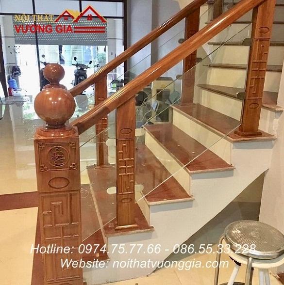 cầu thang kính đẹp con tiện gỗ lim cnc