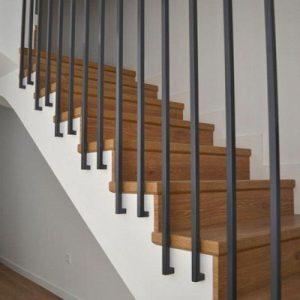 Cầu thang sắt đơn giản đẹp tại Đan Phượng hà nội