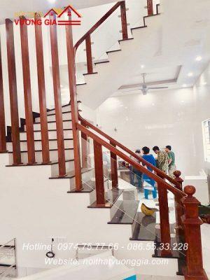 Cầu thang kính cường lực tại Lương Tài Bắc Ninh