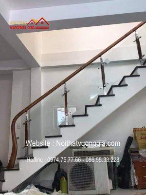 Cầu thang kính đẹp giá rẻ