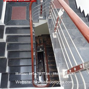 Cầu thang inox tay vịn gỗ đẹp nhất
